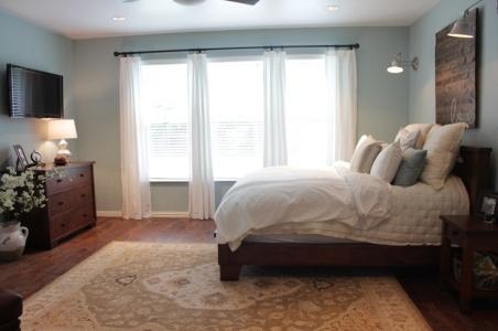 WhiteCurtains.Bedroom